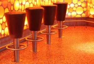 модерни бар столове